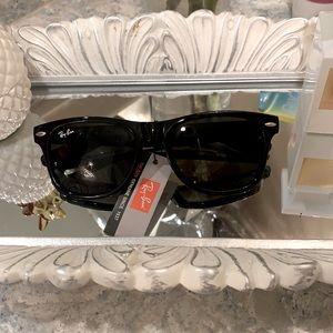 Ray Ban Wayfarer Sunglasses NWOT